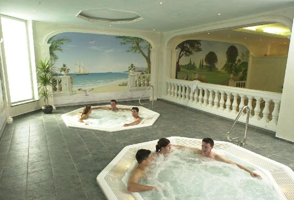 wellness spa wallis sport und wellnesshotel olympica. Black Bedroom Furniture Sets. Home Design Ideas